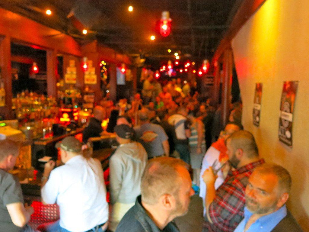 application pour rencontre gay bars à Joué lès Tours